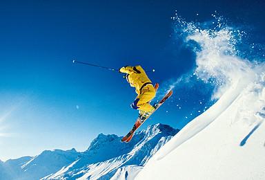 激情滑雪亚布力 哈尔滨东升雪乡穿越(5日行程)