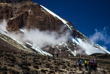 攀登非洲之巅 乞力马扎罗 含国际机票酒店 登山(15日行程)