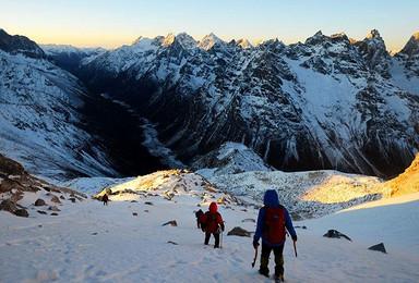 入门级雪山攀登 四姑娘三峰(4日行程)