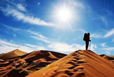 五一腾格里沙漠徒步 天鹅湖夜宿星空沙漠露营(3日行程)