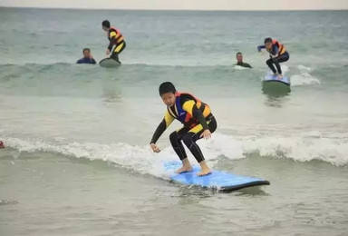 这个暑假带你的孩子来日月湾冲浪吧(6日行程)