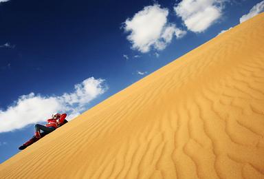 腾格里沙漠徒步(4日行程)