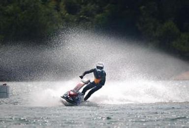 海南三亚海角一号旅游潜水拖伞香蕉船摩托艇(1日行程)