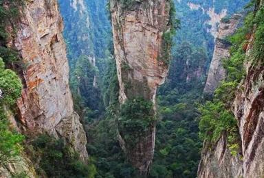 自驾湘西吉斗苗寨 红石林 挑战张家界最高玻璃桥(5日行程)