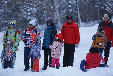 哈尔滨 亚布力滑雪 雪乡 凤凰山 长白山 陨石博物馆户外亲子(7日行程)