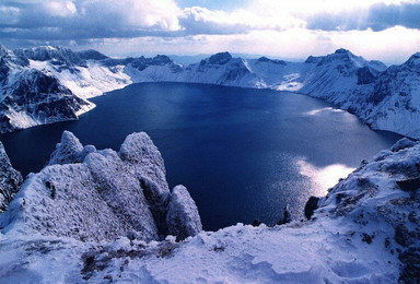 哈尔滨东升雪谷徒步 穿越雪乡长白山豪华露天温泉观魔界雾凇岛(7日行程)