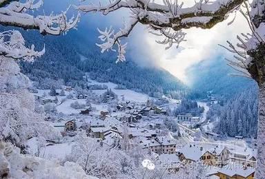 冰雪情缘 哈尔滨 东升穿越 雪乡 镜泊湖 魔界 长白山 吉林雾凇岛(7日行程)
