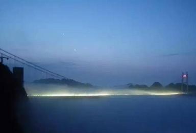 张家界 玻璃吊桥 凤凰 苗寨 芙蓉镇 天门山(7日行程)