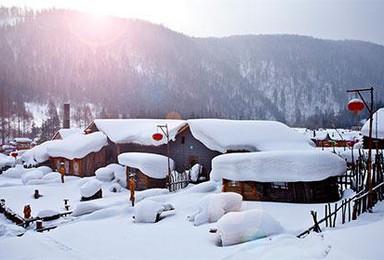 冰雪奇缘 相约冰城 中国雪谷穿越 梦里雪乡 长白山 雾凇岛活动(7日行程)