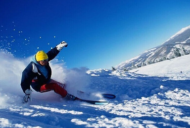 双滑雪 冰城哈尔滨 亚布力国际滑雪 梦幻雪乡 长白山 雾凇岛(7日行程)