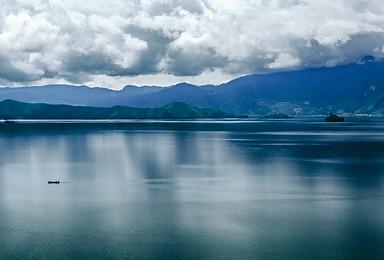 柔情丽江 泸沽湖 香格里拉 梅里雪山 西藏盐井 滇藏人文(7日行程)