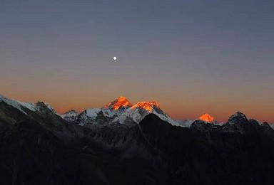 尼泊尔 珠穆朗玛峰 洛子峰 珠峰大本营EBC轻装徒步(14日行程)