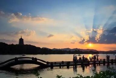 浪漫杭州 园林苏州 摩登上海 乌镇西栅单飞单动或双飞游 纯玩尊享(4日行程)