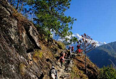 徒步虎跳峡 石头城 泸沽湖(9日行程)