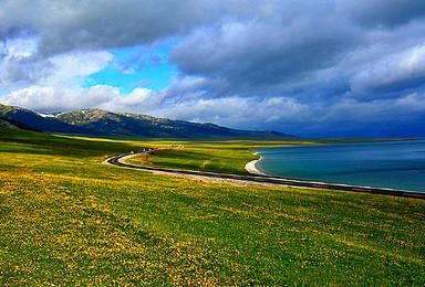 新疆A线 5至7月赛里木湖 薰衣草庄园 那拉提 库木塔格沙漠(9日行程)