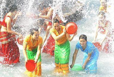 德宏芒市 瑞丽德昂族浇花节 傣族泼水节七天湿身之旅(7日行程)