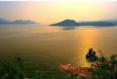易水湖 太行水镇 赏夜景 赤壁外景地 清西陵 千佛森林(2日行程)
