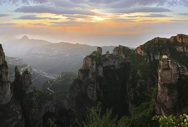 穿越南太行挂壁公路 徒步林州大峡谷 探寻隐匿太行山深处阱底村(4日行程)