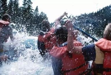 野奢顶配套餐 黄山太平湖漂流 帐篷露营 皮划艇团建(3日行程)