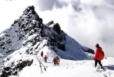 2017年雪山攀登 四姑娘山大峰初级入门级雪山大峰攀登活动(4日行程)