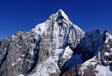 初级技术型雪山攀登体验 四姑娘山三峰(3日行程)