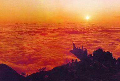 登五岳泰山 夜爬看日出(3日行程)