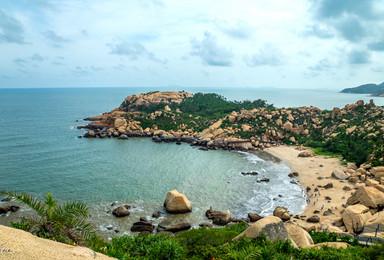 广州出发台山那琴半岛海岸线穿越 邂逅奇石 寻黄蜡石(1日行程)