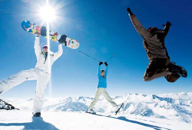 哈尔滨 冰雪欢乐岛 亚布力滑雪 越大雪谷 童话雪乡(6日行程)