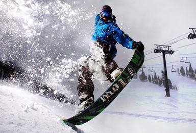 哈尔滨往返亚布力滑雪场 在雪山上刻下属于你的弧线(1日行程)