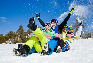 哈尔滨 雪乡 穿越大雪谷 雪极地登山车 极限雪飘 亚布力滑雪(4日行程)