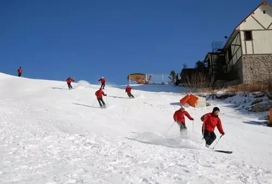 周末 云佛山滑雪 戒不掉的白色鸦片(1日行程)