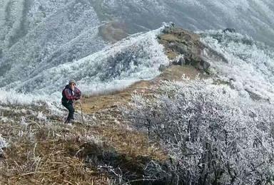 登皖南最高峰铁匠山 观黑石洞瀑布群(2日行程)