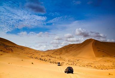 史诗级徒步 腾格里沙漠穿越 与沙漠湖泊相逢 与星空露营相伴(4日行程)