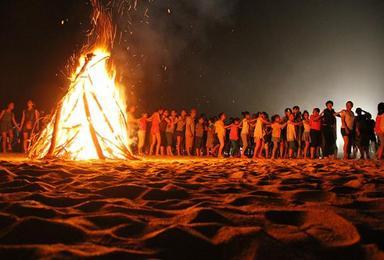 双月湾十里长沙滩BBQ 篝火晚会狂欢 观双月湾全景二天游(2日行程)