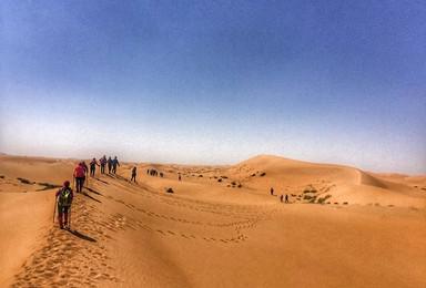 腾格里沙漠轻装徒步 越野车冲沙 高端沙漠行(5日行程)