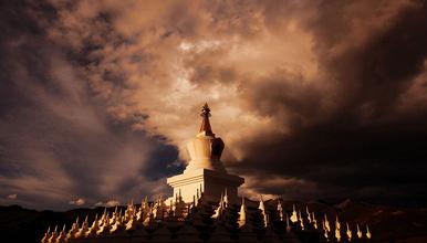 深秋 藏地人文与自然 穿越佛国 色达 稻城亚丁典藏摄影之旅(9日行程)