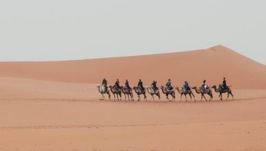 邂逅腾格里沙漠 星空下的露营(2日行程)