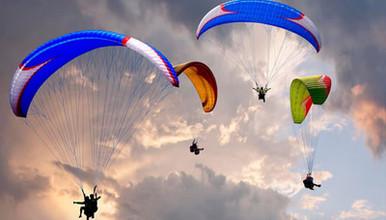 尼泊尔加德满都纳加阔特滑翔伞 飞翔于喜马拉雅山脉之中(1日行程)