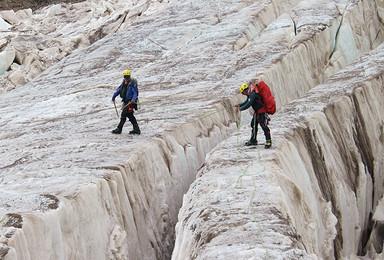 阿尼玛卿攀登 技术型山峰挑战(8日行程)