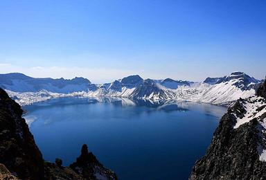 哈尔滨 太阳岛 牡丹江 镜泊湖 吊水楼瀑布 长白山 天池(6日行程)