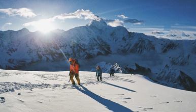 那玛峰专业户夏尔巴探险 贡嘎雪山 5588米那玛峰登山计划(7日行程)