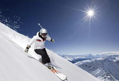 亚布力万科双次滑雪 风轮雪山徒步 雪乡摄影 镜泊湖长白山(7日行程)