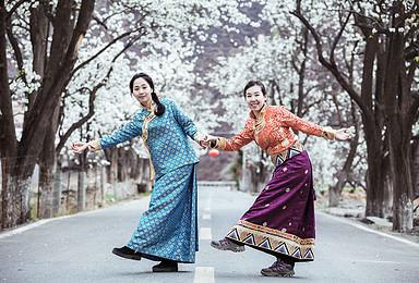 佛国寻花  听烟花三月梨花开落的声音 在色达街头找信仰的颜色(8日行程)
