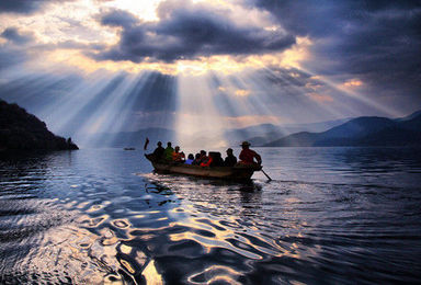 丽江泸沽湖南诏大理双廊洱海香格里拉虎跳峡普达措户外纯玩(7日行程)