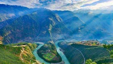原生态与人文之旅 穿越怒江大峡谷 探秘独龙江深度游(7日行程)
