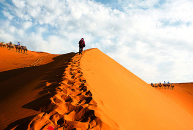 清明假期 轻装穿越库布齐沙漠 感受异域风情(4日行程)