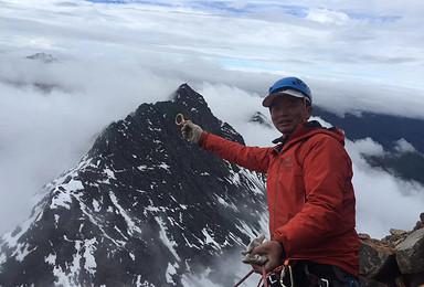 踏寻雪山梦全年计划四姑娘山三峰攀登尝试入门级技术性雪山(3日行程)