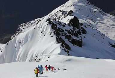 踏寻雪山梦全年计划四姑娘山二峰入门级雪山攀登(3日行程)