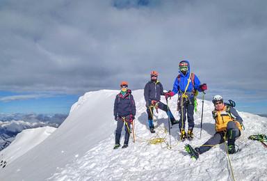 技术山峰  贡嘎卫峰  5588M那玛峰攀登(6日行程)