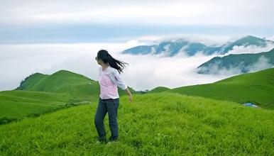 大巴出发醉美武功山爬山 天上草原徒步穿越 看日出日落 观云海(3日行程)